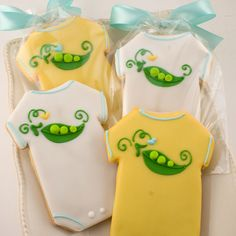 Baby Onesie Cookies by Truly Scrumptious Cookies Baby Boy Cookies, Onesie Cookies, Cookies For Kids, Fancy Cookies, Sweet Cookies, Baby Shower Cookies, Royal Icing Cookies, Baby Shower Gifts, Cookie Cake Decorations