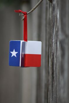 Texas Flag Ornament. Love it!