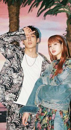 Lisa and Bobby K Pop, South Korean Girls, Korean Girl Groups, Besties, Yg Artist, Ikon Kpop, Kpop Couples, Felix Stray Kids, Korean Couple