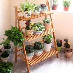 diy plant stand This durable and stable plant rack is ideal to organize potted plants and put them in order for display in your living room, garden, balcony or patio. With its delicate Apartment Balcony Garden, Small Balcony Garden, Balcony Plants, House Plants Decor, Patio Plants, Outdoor Plants, Raised Garden Beds, Outdoor Plant Stands, Apartment Balcony Decorating
