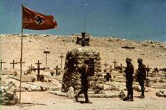1941, Libye, Environs de Tobrouk, Cimetière de l'Afrikakorps (Deutscher Soldatenfriedhof)