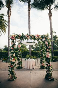 Romantic California Wedding with Gorgeous Blooms - MODwedding