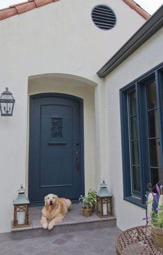 Exterior colors: Merlex Stucco in Benjamin Moore Navajo White; Exterior trim & door paint color is Benjamin Moore Blue Note. Stucco Colors, Exterior Paint Colors For House, Paint Colors For Home, Exterior Colors, Exterior Design, Paint Colours, Stucco Exterior, Stucco Homes, Exterior Front Doors