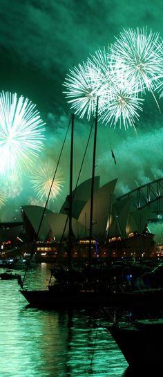 The Opera House in Sydney Harbour • digital art/photo:  Jan Kalle Ribbert on https://www.youtube.com/watch?v=40SLmtoGbQk
