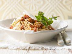 Spaghetti mit Pilz-Bolognese - und Fenchel - smarter - Kalorien: 436 Kcal - Zeit: 55 Min. | eatsmarter.de Bolognese muss nicht immer mit Fleisch gemacht sein.