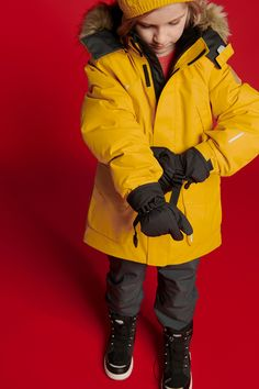 You might think that a jacket only covers the upper body, but this one is designed to protect the face, too. The removable faux fur trim on the hood is more than a decoration as it keeps warm air around the face, diminishing the risk of frost bite. #Reima #WinterJacket #KidsParka #KidsWear Winter Parka, Nordic Design, Keep Warm, Upper Body, Fur Trim, Kids Wear, Canada Goose Jackets, Frost, Activities For Kids
