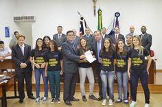 Vereadores congratulam com equipe tetra campeã de Futsal feminino - http://acidadedeitapira.com.br/2015/12/11/vereadores-congratulam-com-equipe-tetra-campea-de-futsal-feminino/