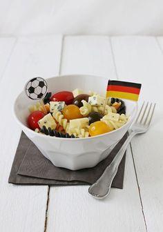 Tinkas Welt: WM 2014 - Nudeln mit Tomaten und Gorgonzola passend zum Spiel