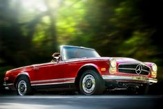 """280 SL """"Pagoda"""" (year of manufacture: in Trabuco Canyon, California Mercedes 230, Classic Mercedes, Mercedes Benz Cars, American Muscle Cars, Hot Cars, Motor Car, Dream Cars, Classic Cars, Jeep"""