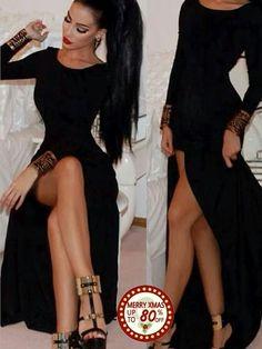 Vestido largo negro y con una coleta alta wauuu