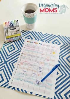 Use this free printable weekly plan sheet to help you chart out your schedule, see opportunities for time savings, and find time to work towards your goals. Organized Mom, Getting Organized, Printable Planner, Free Printables, Planners, Planner Organization, Shop Organization, Organizing Tips, Layout