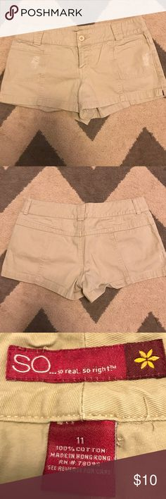 So Low-rise Khaki Shorts Nice twill shorts have distressing on the front and detailed seams in place if pockets on back. All my items come from my smoke-free home. So Shorts