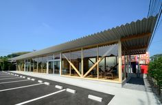 niji architects constructs inviting timber frame cafeteria in japan - designboom | architecture