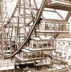 PHOTO - CHICAGO - COLUMBIAN EXHIBITION WORLD'S FAIR - FIRST FERRIS WHEEL - GONDOLA DETAILS - 1893