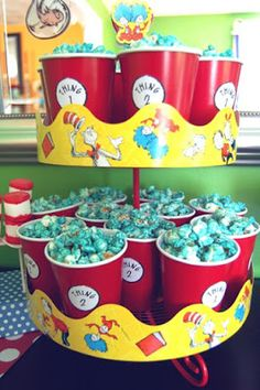 Thing 1 and Thing 2 popcorn Neat idea to use border on cupcake stand! Dr Seuss Party Ideas, Dr Seuss Birthday Party, Twin Birthday Parties, Baby 1st Birthday, Birthday Party Themes, Birthday Ideas, Dr. Seuss, Dr Seuss Snacks, Cat In The Hat Party