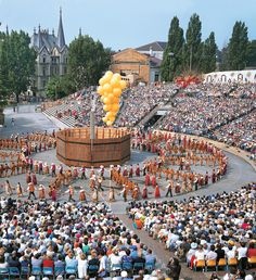 A picture showing Swiss culture and heritage ! Called Fète de Vignerons (winegrowers festival) which is only each 25 years in Vevey. Next time: 2019 Vevey, Festival Dates, Wine Festival, Swiss Travel, Hotel Packages, Travel Expert, Beer Fest, Lake Geneva, Rest Of The World