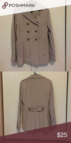 Lovely & Flattering Ladies Spring/Fall Jacket Sonoma Ladies Spring/Fall Jacket that is in excellent condition! Sonoma Jackets & Coats