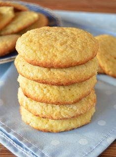 Brunch Recipes, Sweet Recipes, Dessert Recipes, Pan Dulce, Biscuit Cookies, Mini Cakes, Love Food, Cookie Recipes, Biscuits