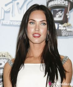 Megan Fox Celebrity Hairstyles | Hairstyle Ideas #celebrityhairstyles #celebrityshorthairstyles #celebrityupdohairstyles