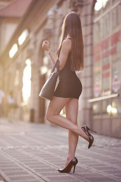 Sexy Legs And Heels, Sexy High Heels, Cute Things Girls Do, Model Legs, Asian Model Girl, Black Stiletto Heels, Pantyhose Outfits, Fashion Tights, Women's Fashion