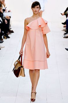Chloé Spring 2013 Ready-to-Wear Collection - Vogue Love Fashion, Runway Fashion, Fashion Models, High Fashion, Fashion Beauty, Fashion Show, Fashion Design, Paris Fashion, Style Fashion