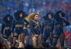 Beyonce performs at halftime with dancers in Super Bowl 50 between the Carolina Panthers and the Denver Broncos Don Black, Black Girls, Carolina Panthers, Denver Broncos, Dallas, Nfl, Dear White People, Police Sergeant, She Song