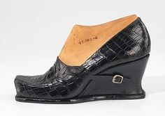Model No. 139 - 1939 leather, wood by Steven Arpad  (French, 1904–1999)  This object comes from a group of over seventy-five shoe prototypes designed in Paris in 1939 by Steven Arpad. Aside from the lines of leather accessories and jewelry he produced under his own name in the 1940s, Arpad seems to have worked mostly anonymously.