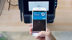 Apple Pay: Square mit neuem NFC-Reader für Kleinbetriebe - https://apfeleimer.de/2015/11/apple-pay-square-mit-neuem-nfc-reader-fuer-kleinbetriebe - In den USA hat Square eine neue Version seines NFC-Readers auf den Markt gebracht, die Apple Pay auch für Kleinbetriebe zur Verfügung stellt.