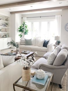 Beautiful Summer Living Room Decor Pieces To Enhance Your Home – Decorating Ideas - Home Decor Ideas and Tips Coastal Living Rooms, My Living Room, Living Room Furniture, Small Living, Modern Living, Coastal Cottage, Coastal Homes, Coastal Style, Modern Furniture