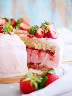 My Kitchen Stories Baking Recipes, Dessert Recipes, Desserts, Kitchen Stories, Valentines Food, Strawberry Recipes, Cute Cakes, Let Them Eat Cake, Vanilla Cake