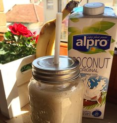 Vegan smoothie  #vegan #healthy #alpro #alprococonut #milkshake #breakfast