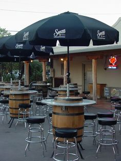 Restaurant Bar Table For Sale.Bar For Sale Otop Markets. Harris' Restaurant The San Francisco Steakhouse. Table Baril, Bar Deco, Design Bar Restaurant, Wine Barrel Furniture, Patio Table, Diy Patio, Backyard Patio, Outdoor Tables, Cafe Design