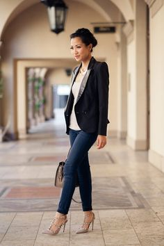 I need this outfit from head to toe, valentino pumps, black blazer omgggg love it
