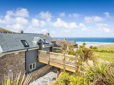 Sandpipers, Sennen: Holiday cottage for rent from £125 per night. Read 1 reviews, view 24 photos, book online with traveller protection with the manager - 3425589