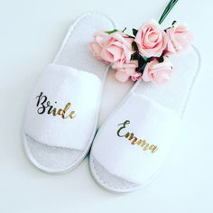 Personalised wedding slippers, bridal party slippers, bride slippers, bridesmaid slippers, wedding s Bride Slippers, Wedding Slippers, Spa Slippers, Bridal Shower Gifts For Bride, Wedding Gifts, Wedding Ideas, Bridal Robes, Wedding Planning, Bridesmaid Slippers