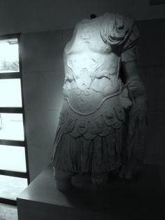 Centro de Interpretación del Campo Arqueológico. Estatua de Augusto