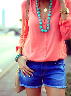 Coral blouse, turquoise necklace and blue shorts Coral Shirt, Coral Blouse, Coral Fashion, Look Fashion, Womens Fashion, Fashion Shoes, Fashion 2014, Fashion Hair, Trendy Fashion