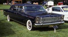 1965 Ford Galaxie 500 LTD limousine Best Car Insurance, Car Trailer, Ford Classic Cars, Ford Galaxie, Unique Cars, Us Cars, Ford Motor Company, Vintage Trucks, Retro Cars