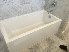 Mirabelle Tub In Town Home