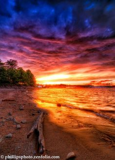 Sunset on Lake Lanier  #Beautiful #Places #Photography