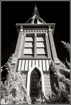 Title: Church of the Good Shepherd.    The Church of the Good Shepherd is the oldest church in Berkeley California. It was constructed in 1878, the year the City of Berkeley was incorporated.  Photo taken by Anne Cutler of ttp://www.geckographics.com/