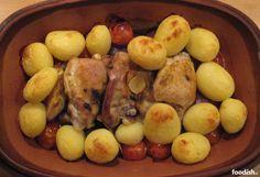 In deze post laat ik je zien hoe ik mijn favoriete gerecht in de römertopf maak: kip uit de römertopf.