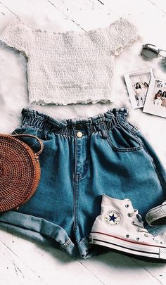 outfits for school . outfits with leggings . outfits for school winter . outfits with air force ones . outfits with black jeans . outfits with doc martens . Casual Summer Outfits, Trendy Outfits, Casual Weekend, Winter Outfits, Weekend Outfit, Outfits For School Summer, Teen Summer Clothes, Tumblr Summer Outfits, Cute Outfits With Shorts