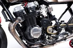 Most of the planet got their introduction into what a Father and Son custom bike shop looks like from the hugely popular series American Chopper. Cb750 Cafe, Honda Cb750, Honda Motorcycles, Custom Motorcycles, Custom Bikes, Cafe Racer Honda, Cafe Bike, Motorcycle Exhaust, Motorcycle Bike