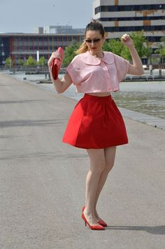 http://oneusefashion.wordpress.com/2014/06/27/red-pink/