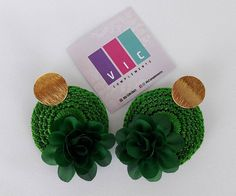 Topos tejidos color verde 💚🍃 Pidelos ⬇️⬇️ @viccomplements . . . . . . . #accesorios #aretes #artesania #crochet #hechoamano #hadmade… Color, Crochet, Tejidos, Stud Earrings, Hand Made, Green, Accessories, Colour, Ganchillo