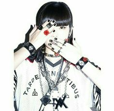 styling + shadow! from akimoto_kozue instagram