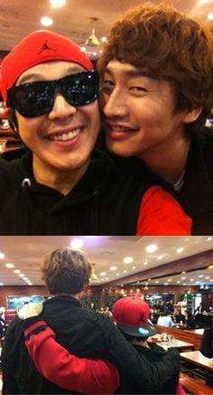 'Running Man' co-stars HaHa & Lee Kwang Soo snap a photo together #allkpop