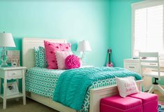 Teen girls turquoise and pink room
