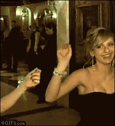 A gallery of GIFs of drunk people doing funny, strange and straight up dangerous things. Drunk Dancing, Guy Dancing, Drunk People, Funny People, Funny Fails, Funny Memes, Hilarious, Funny Quotes, Dance Fails